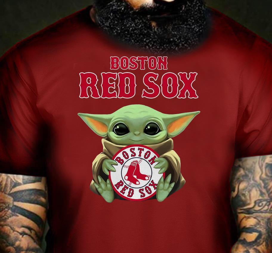 Baby Yoda hug Boston Red Sox t-shirt