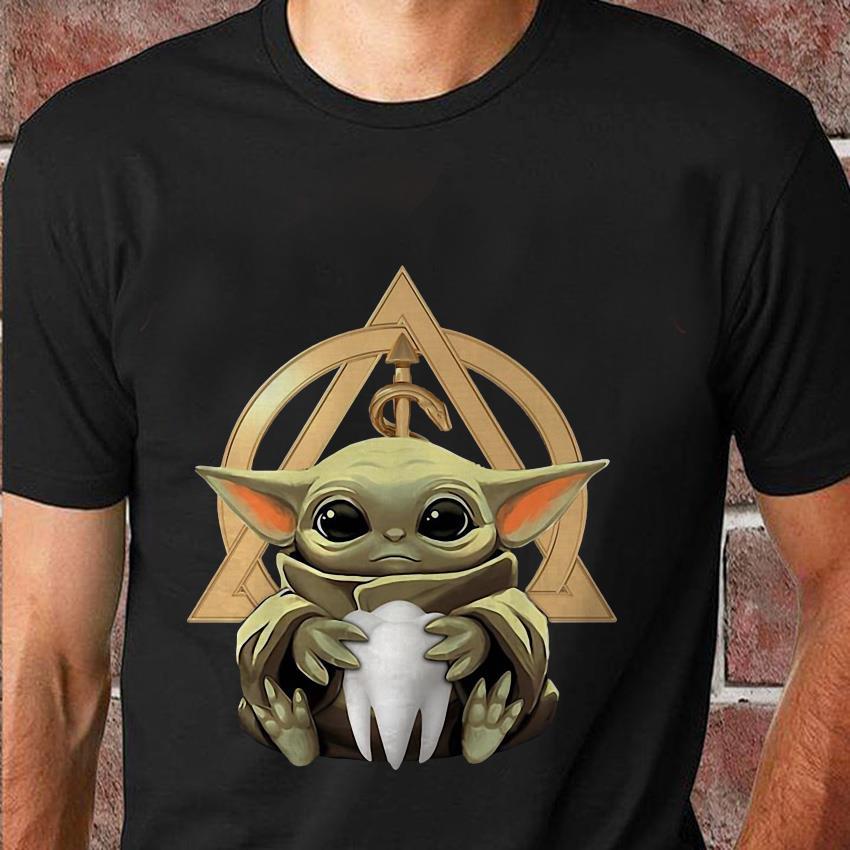 Baby Yoda hug Dentist symbol t-shirt