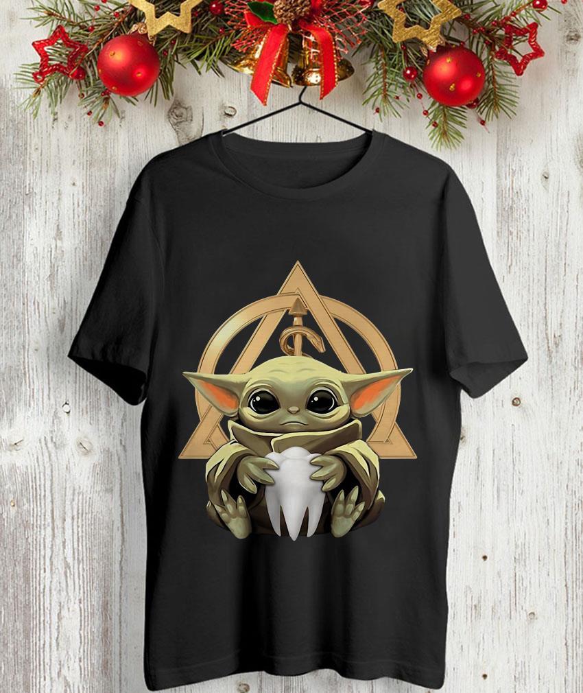 Baby Yoda hug Dentist symbol unisex-shirt