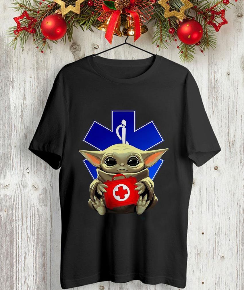 Baby Yoda hug Paramedic nurse t-shirt