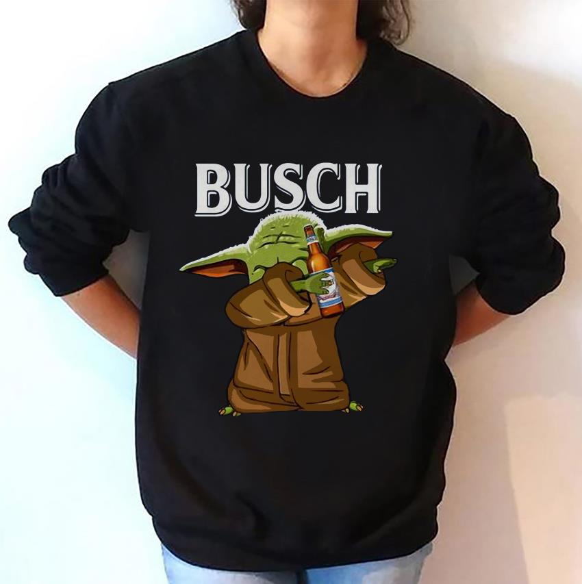 Dabbing baby Yoda loves Busch beer sweat-shirt
