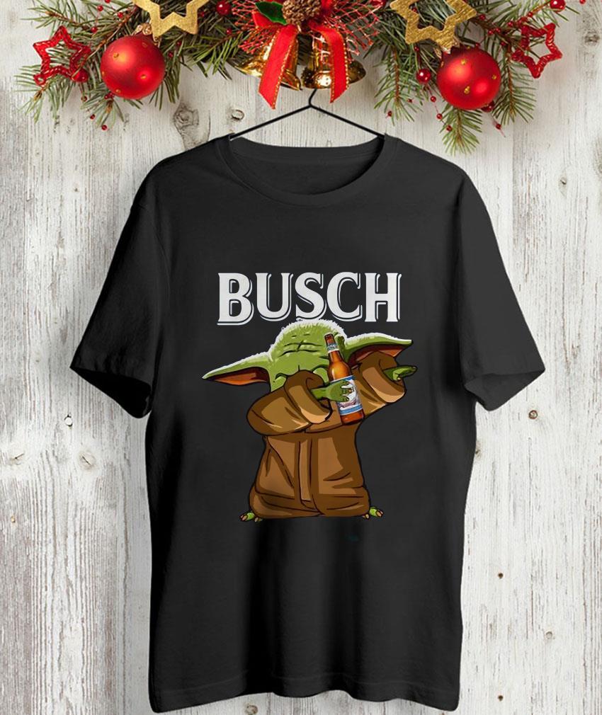 Dabbing baby Yoda loves Busch beer unisex-shirt