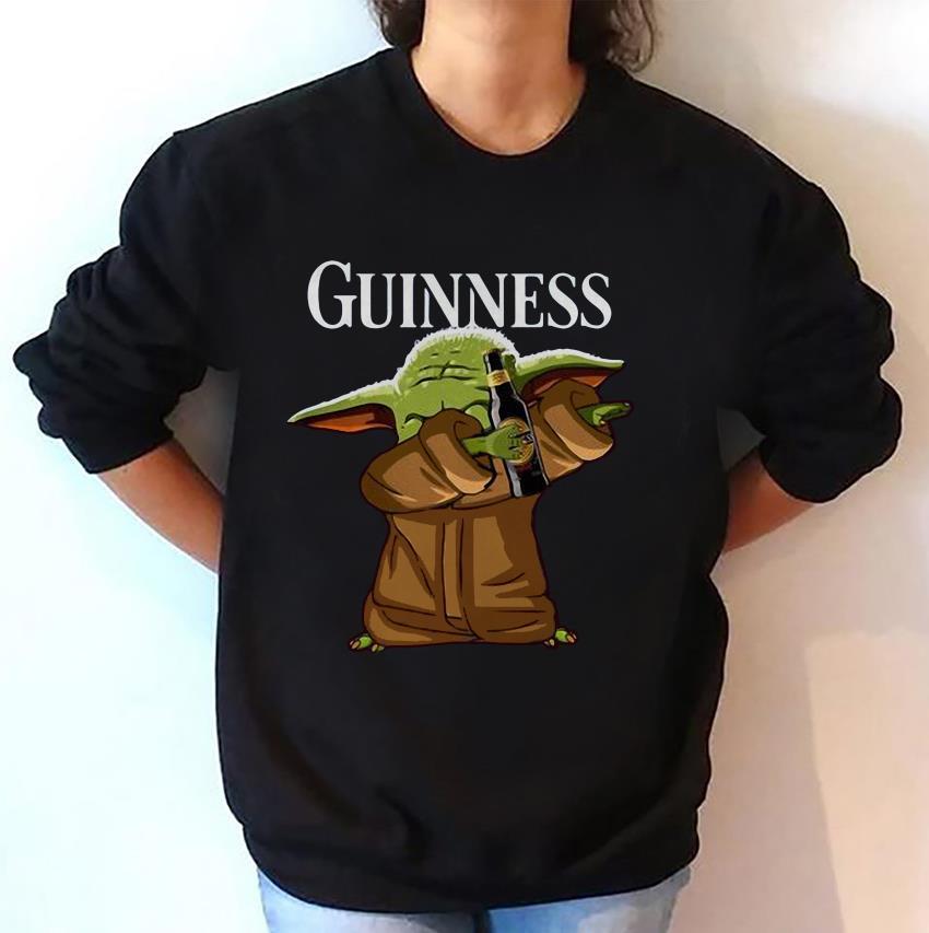 Dabbing baby Yoda loves Guinness sweat-shirt