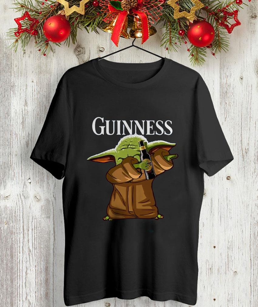 Dabbing baby Yoda loves Guinness unisex-shirt