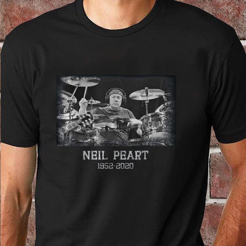 Memory Neil Peart 1952-2020 in loving drummer t-shirt