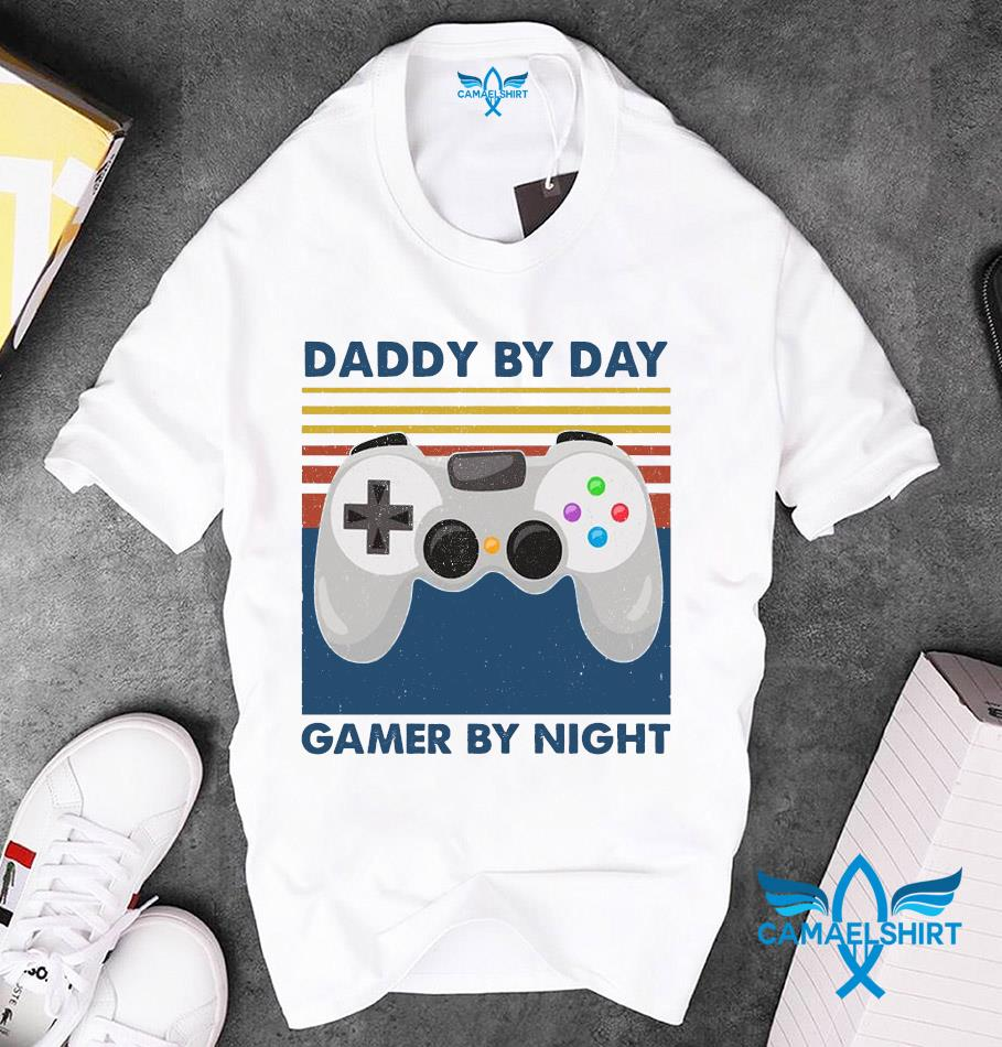 Daddy by day Gamer by night vintage unisex t-shirt