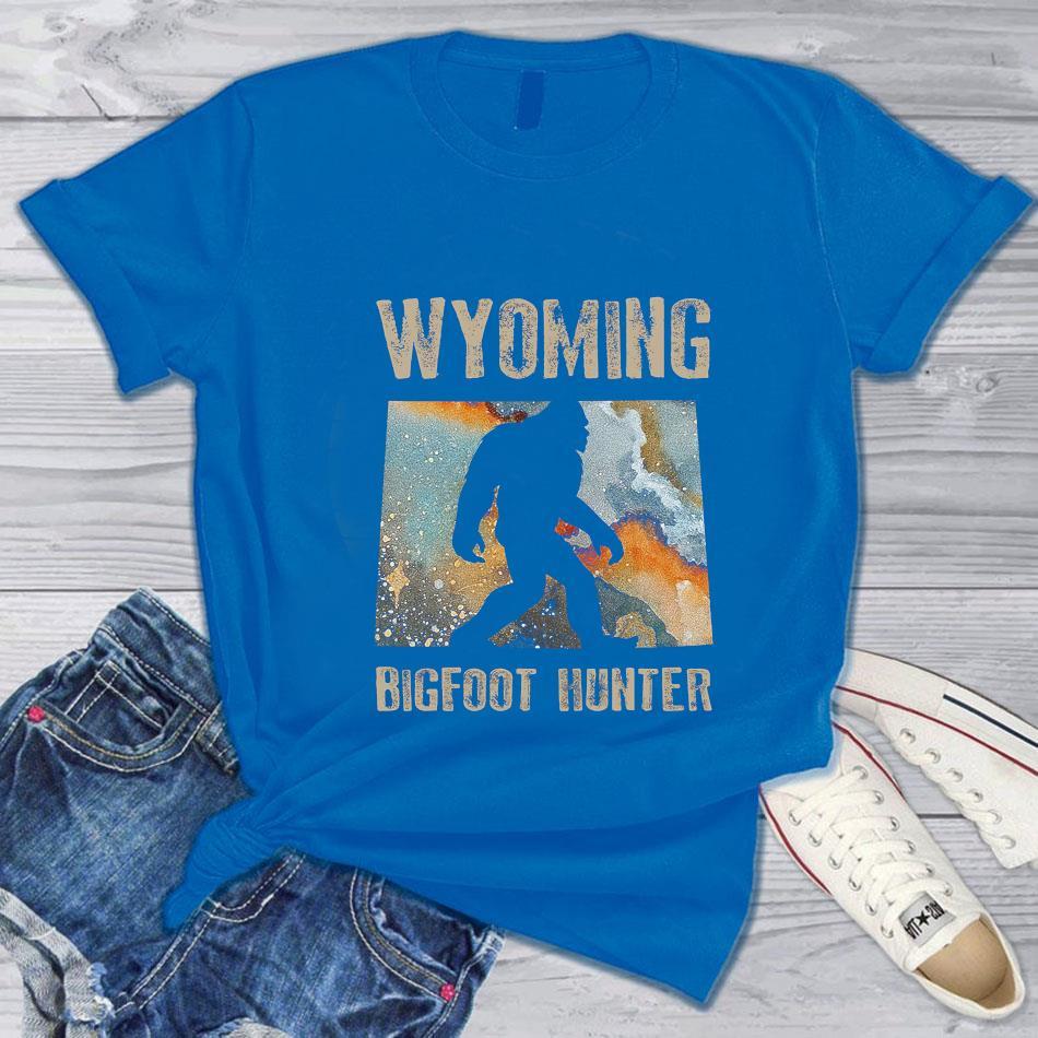 Wyoming Bigfoot hunter water color t-s blue