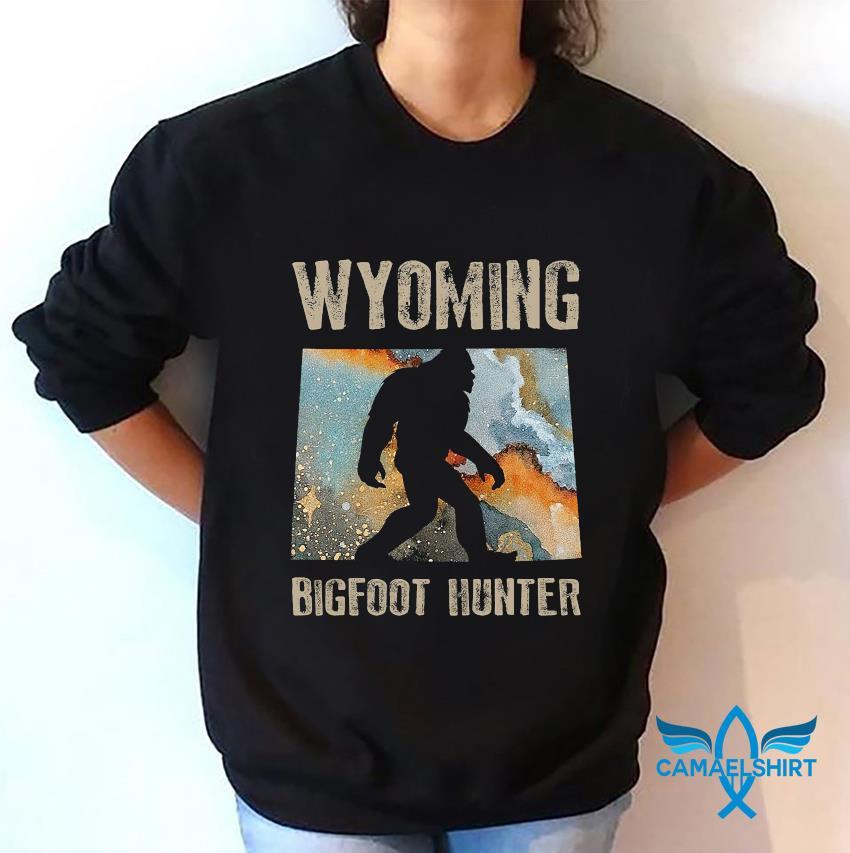 Wyoming Bigfoot hunter water color t-s sweatshirt