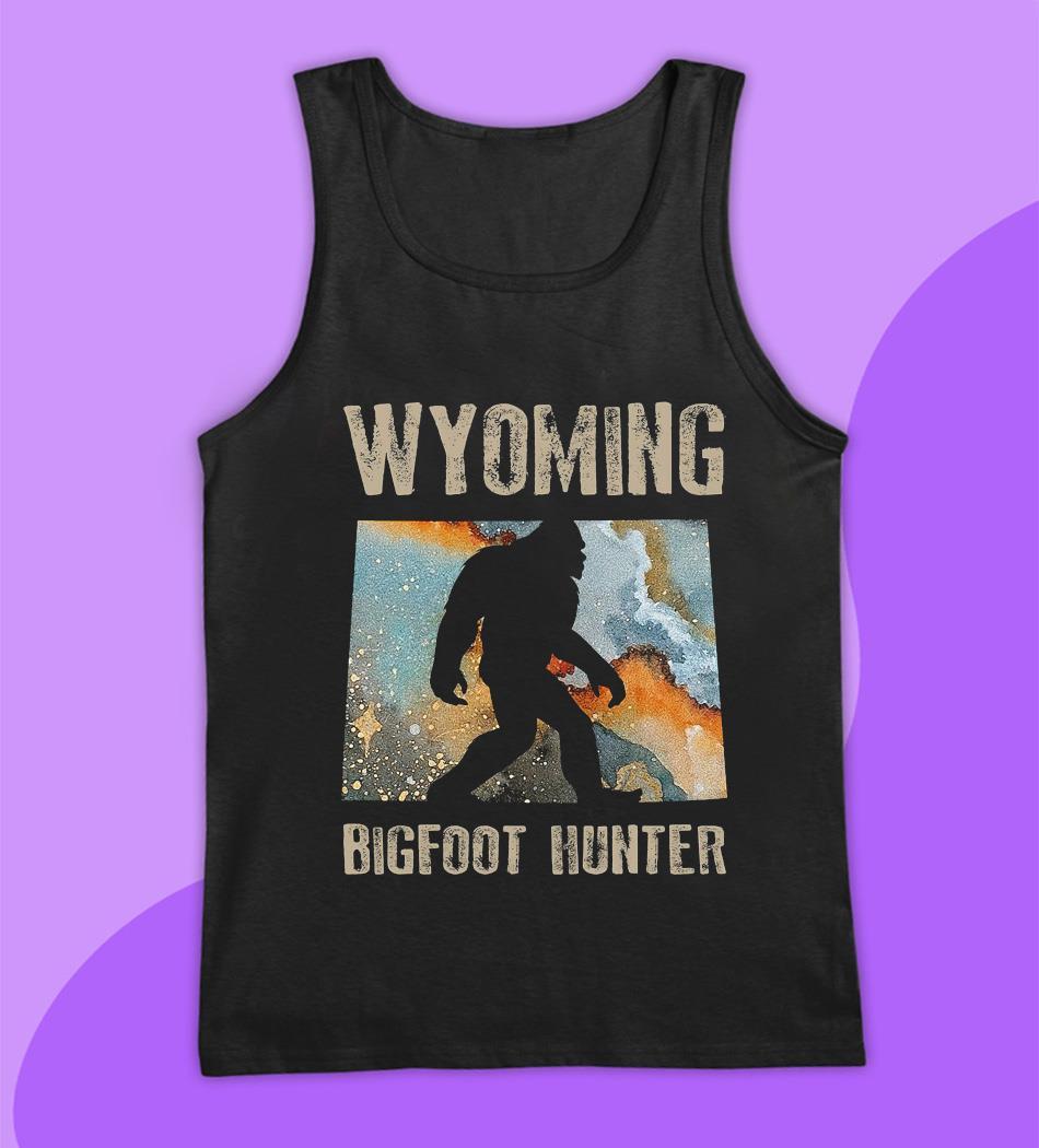 Wyoming Bigfoot hunter water color t-s tank top