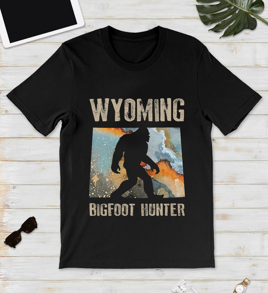 Wyoming Bigfoot hunter water color t-s unisex