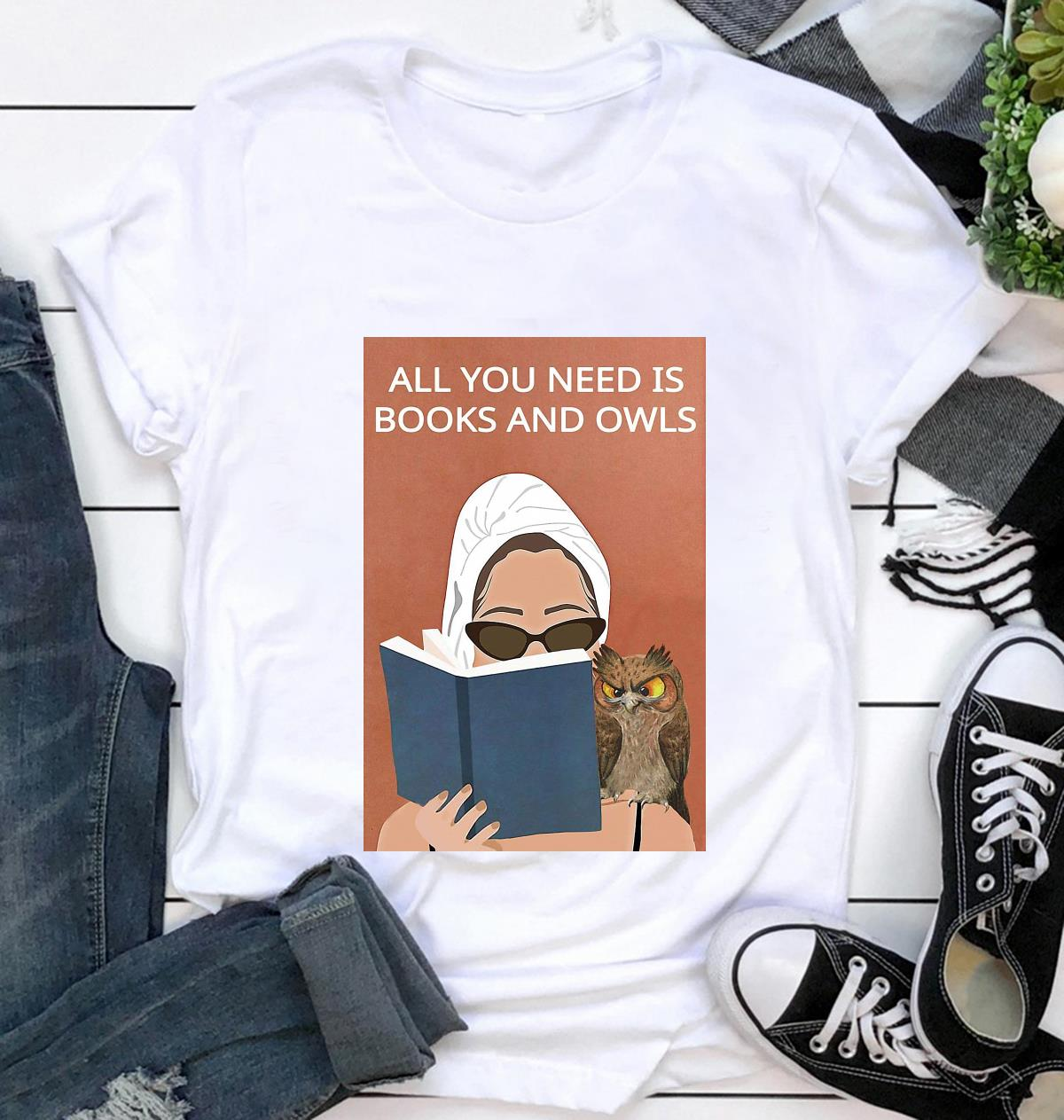 All you need is books and owls vintage poster t-shirt